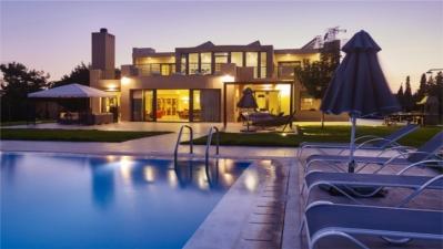 Trapezia Luxury Villa