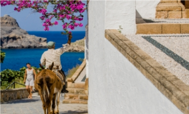 Luxury Villas with pools in Lindos